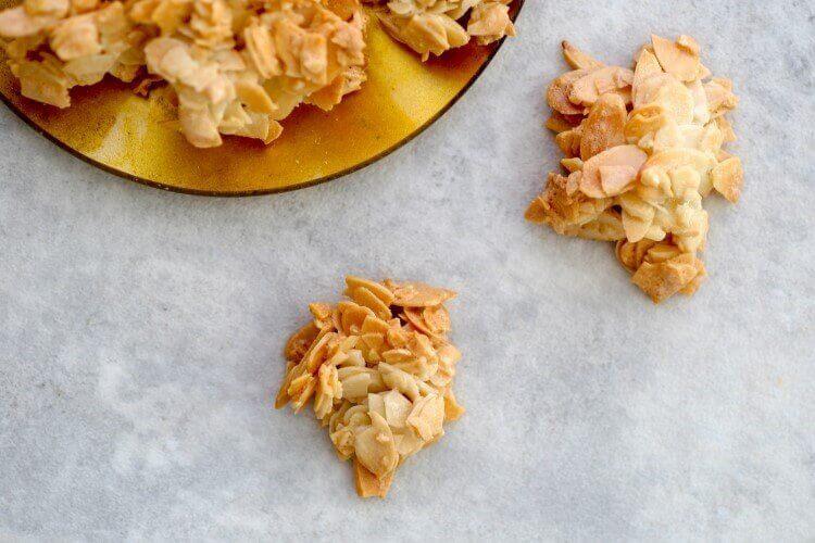 עוגיות שקדים קריספיות בבלוג כל הדברים הטובים