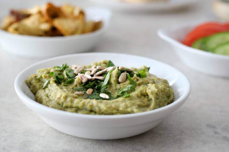 ממרח עדשים ירוקות עם בצל מטוגן וגרעיני חמניה בבלוג כל הדברים הטובים