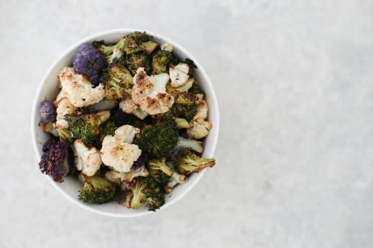 כרובית וברוקולי צלויים בתנור בבלוג כל הדברים הטובים