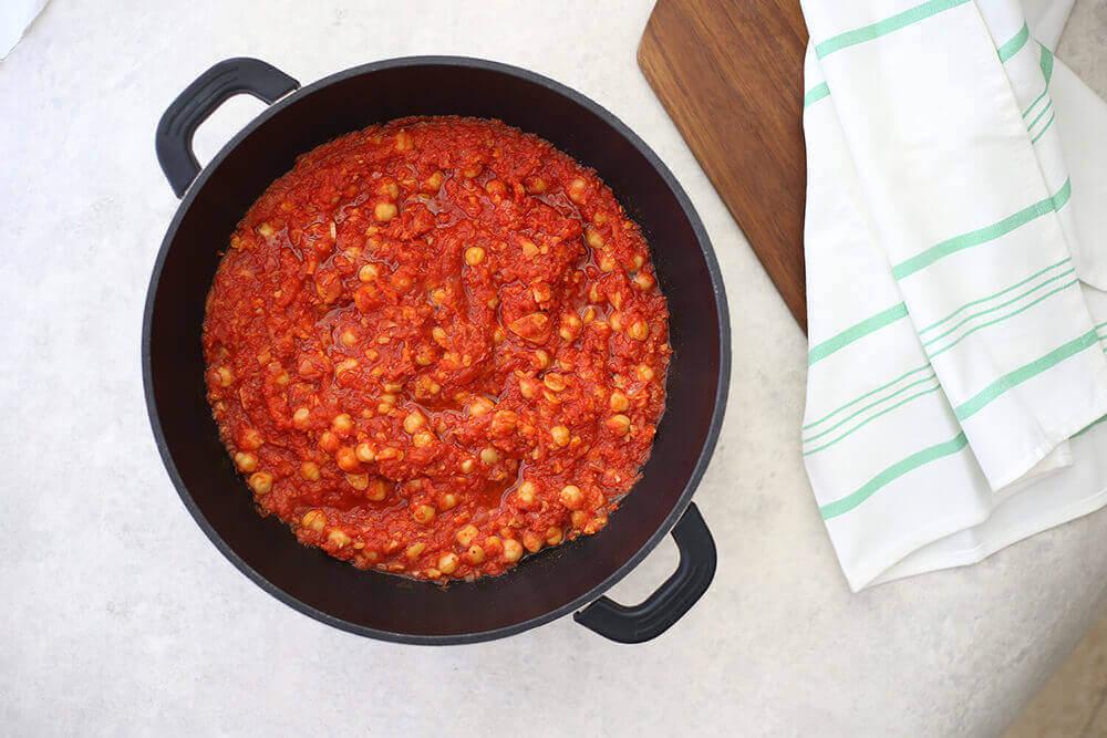 רוטב עגבניות וחומוס בבלוג כל הדברים הטובים